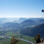 Blick vom tiroler Gipfelkreuz nach Südwesten, in der Bildmitte der Pendling